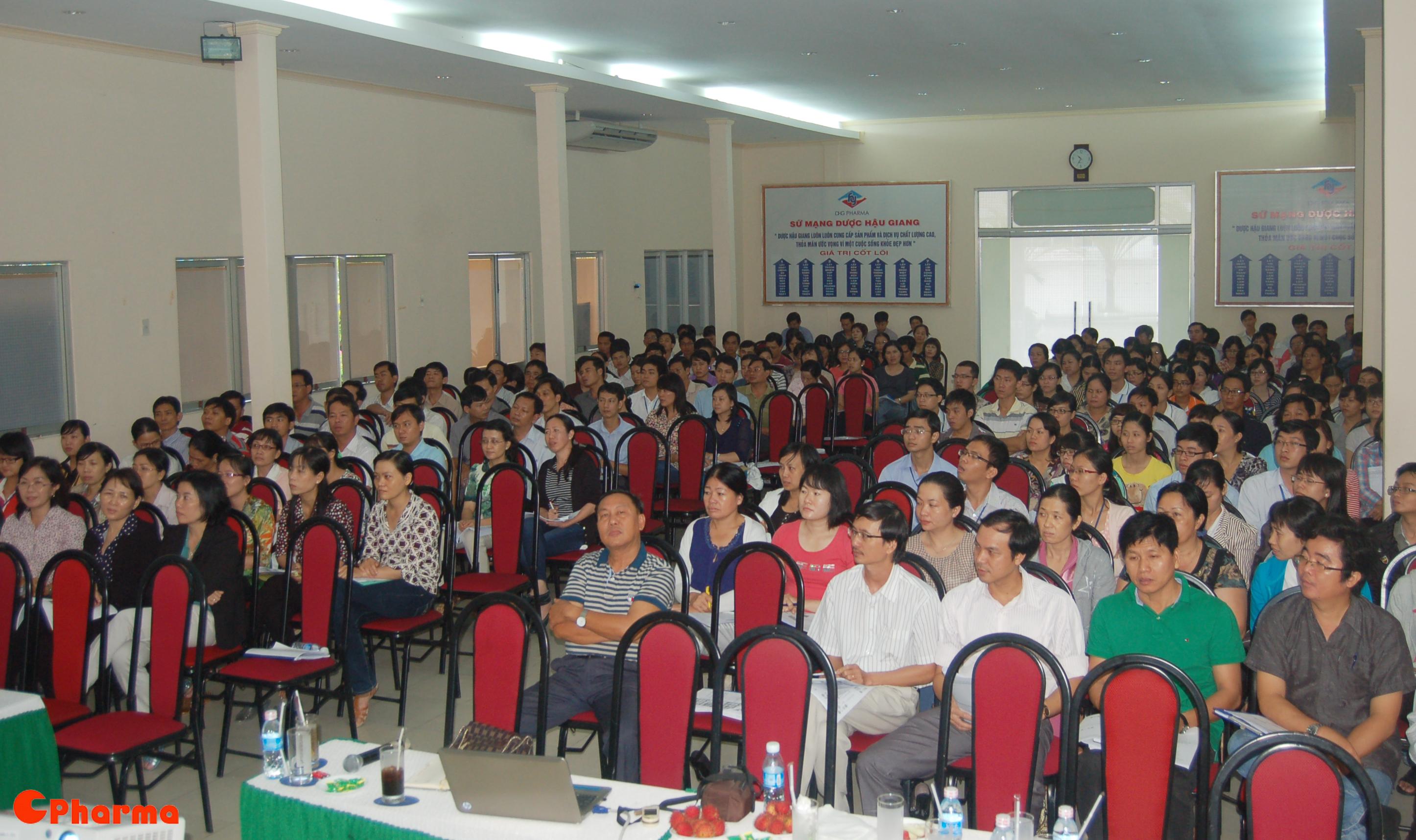 Hơn 200 cán bộ nhân viên DHG Pharma tham gia khóa huấn luyện GMP